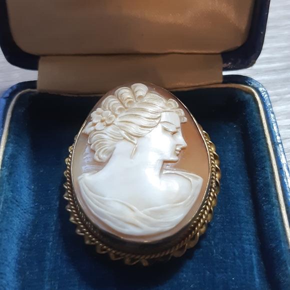 Vintage Gold Filled Cameo Brooch